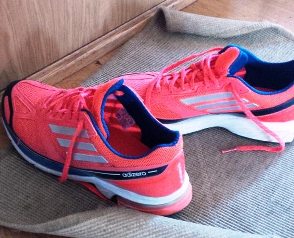 best website 59467 bb9ca I dag valgte jeg bevisst Ã¥ løpe med litt tyngre sko – Adidas Adizero  Boston 4. Bra for beina, fine Ã¥ se pÃ¥!